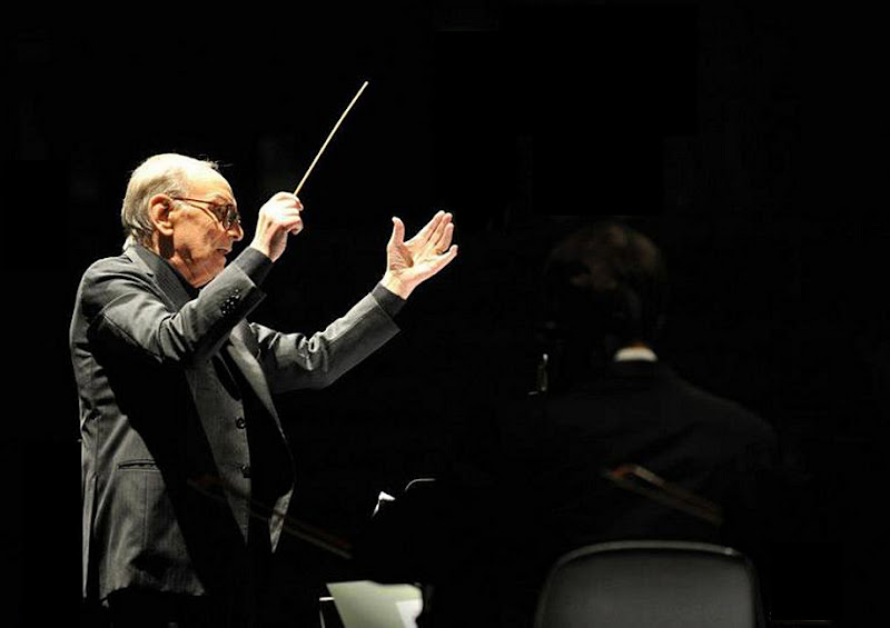Ennio Morricone dirige ... di lucaldera