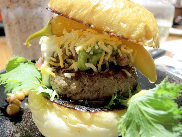 Oldies BURGER新美式文化料理 - 吃漢堡也想吸允肉汁拉!!!食我再送你oreo起司薯條