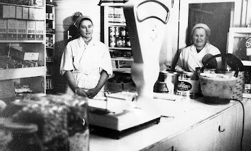 Photo: 1962 Liisa Arvaja ja Seija Rantanen