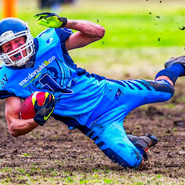 Gridiron Victoria by John Torcasio - Sports & Fitness American and Canadian football ( image, photo, action, gridiron victoria, sport )