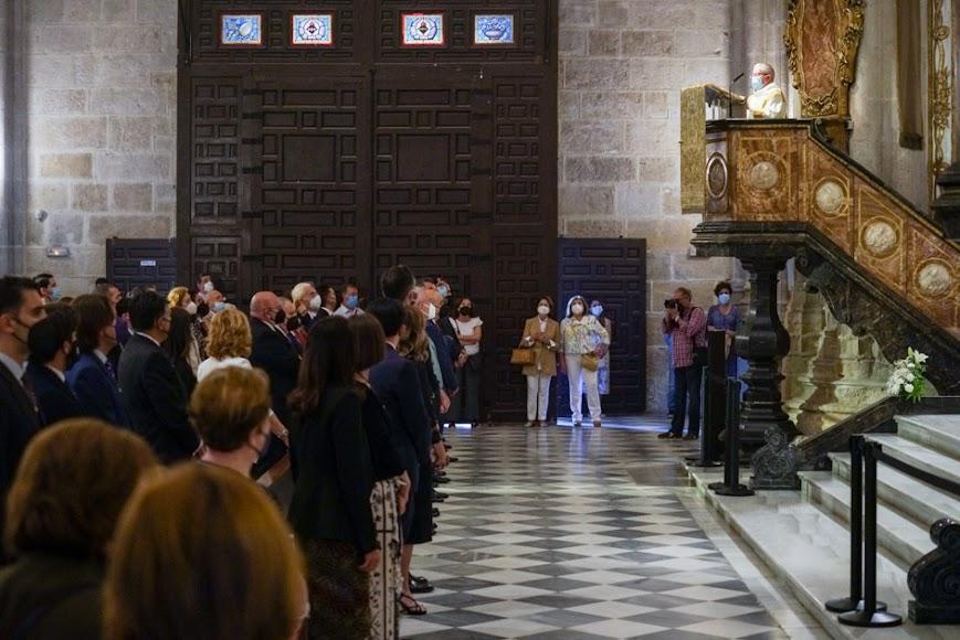 La Catedral acogió la misa estacional por la tarde.