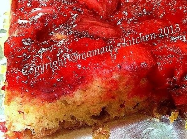 Easy Strawberry Upside Down Cake Recipe