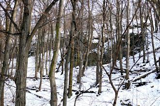 Photo: Balra fenn  a Macska-lyuk, szemben jobbra meg  a Szentendrei-barlang üregrendszere bújik meg.