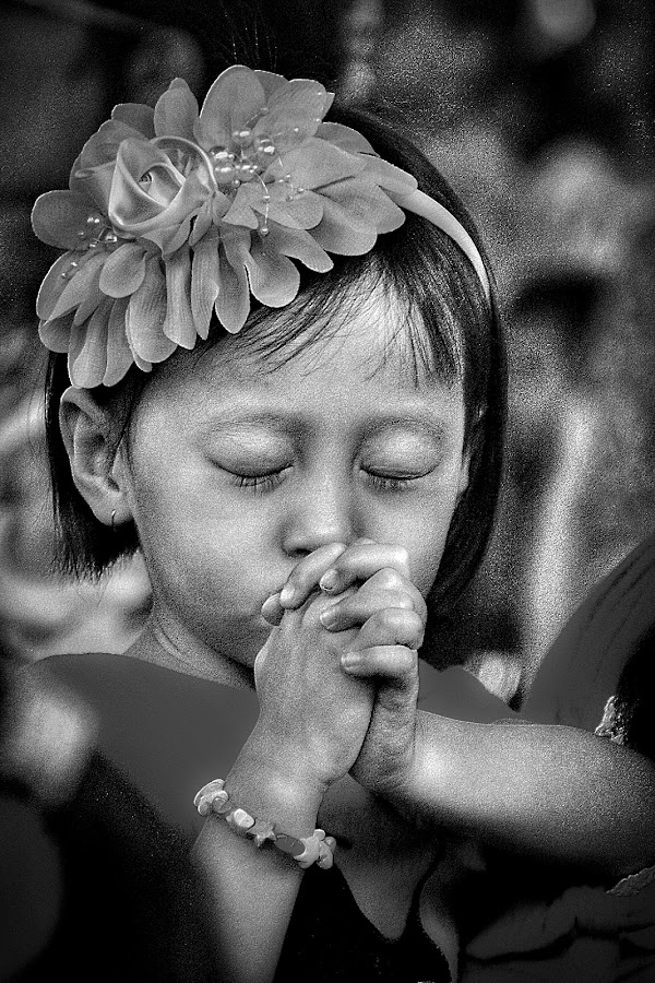LITTLE PRAYER by Frans Priyo - People Street & Candids ( faith, pray, children,  )