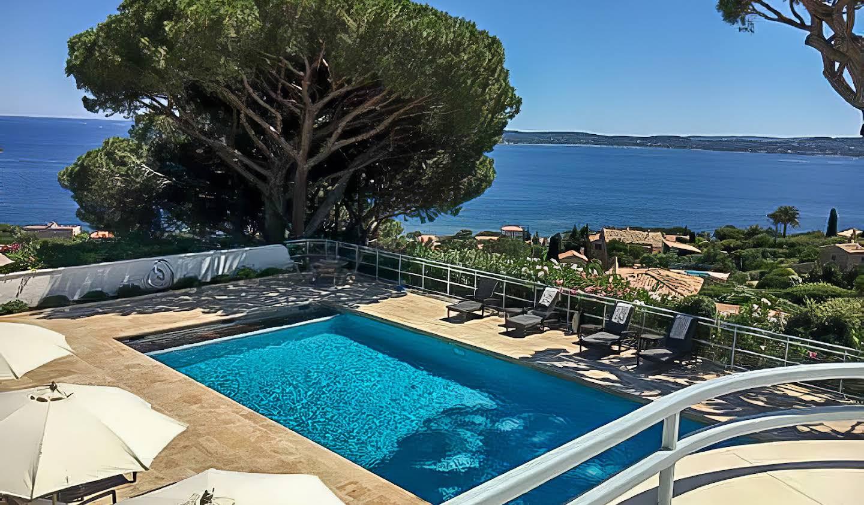Maison contemporaine avec piscine en bord de mer Sainte-Maxime