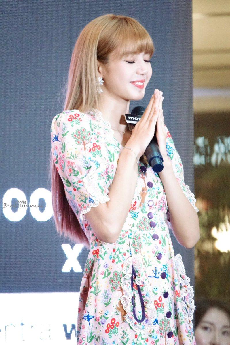 lisa thai fanmeeting2