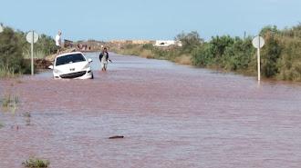 Efectos de la gota fría en la carretera a Cabo de Gata.