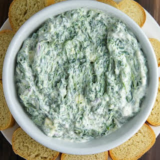 Creamy Greek Yogurt Spinach Dip (Your New Favorite Go-To Recipe).