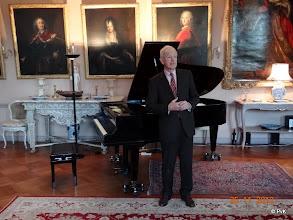 Photo: De gastheer Willem, Baron van Lynden