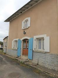 maison à Cherves-Châtelars (16)