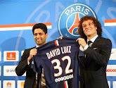David Luiz joue avec le spray de l'arbitre