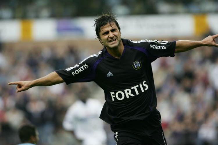 """Jestrovic springt in de bres voor Obradovic en Spajic, maar is streng voor Teodorczyk: """"Hij viel continu op de grond"""""""