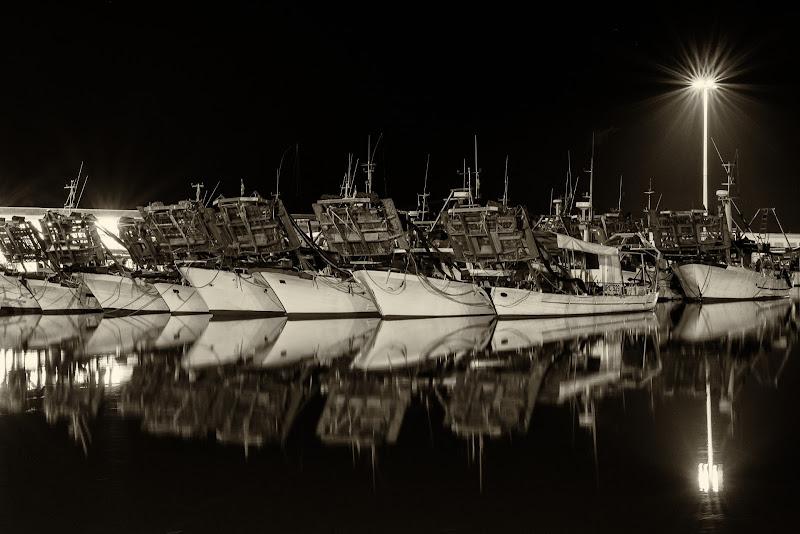 Metti una sera al porto di Sergio Rapagnà
