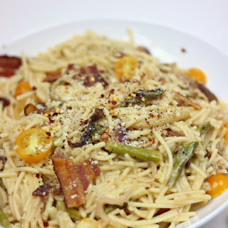 Spicy Shitake and Asparagus Pasta