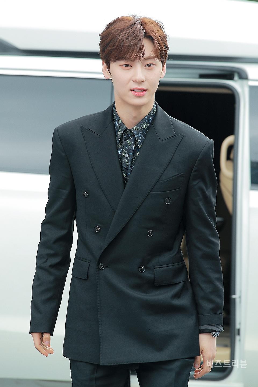 hwang minhyun suit 7