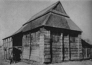 "Photo: 11. Synagoga (skan z książki M.K.Piechotków ""Bóżnice drewniane"" 1957). Synagogue - scanned from the book on wooden synagogues in Poland, by M.K.Piechotek (1957). Photograph taken before WWII."