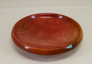 "Photo: Elliot Schantz 6"" x 1 1/2"" dish [pink ivory]"