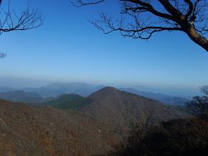三国岳(左奥に霊仙山)