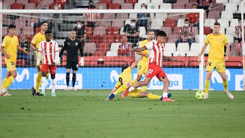 Samú Costa en el Almería-Girona.