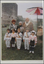 "Photo: Str. Dr. Ioan Ratiu, Nr.71 - Casa Familiei Ratiu monument istoric Ion Ratiu in vizita la casa Familiei Ratiu sursa  ""Expoziția de fotografie Ion Rațiu. Un destin pentru România. - 2016.07.21  foto https://picasaweb.google.com/114438352800090731131/6312042905474465169?feat=flashalbum#6313089934513156370 Album expozitie  http://ana-maria-catalina.blogspot.ro/2016/07/expozitia-de-fotografie-ion-ratiu-un.html"