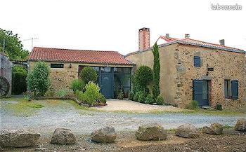 propriété à Pouzauges (85)