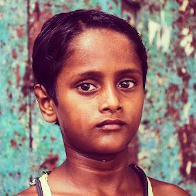 look at me by Sayan Basu - People Street & Candids ( child potrait, street boy )