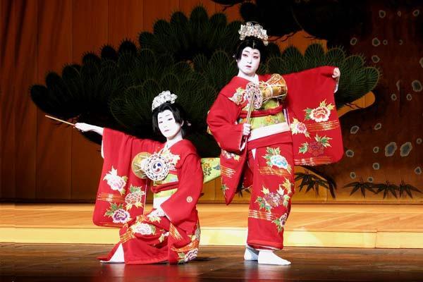 Kết quả hình ảnh cho điệu nhảy truyền thống của nhật bản