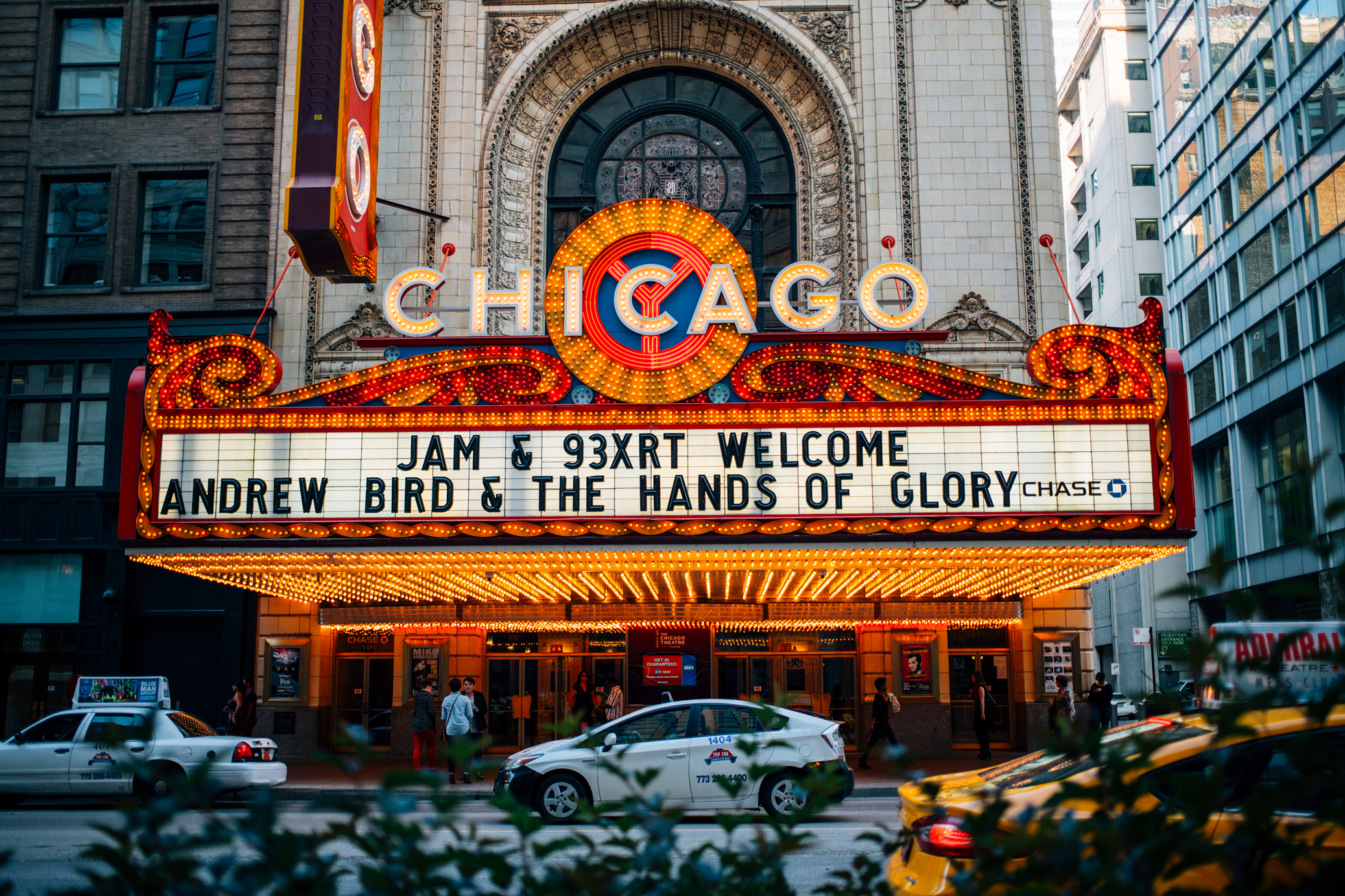 The Chicago Theatre Near Best Western River North Hotel