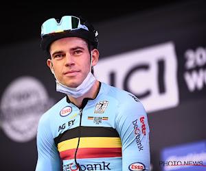 """Wout van Aert verzekert dat er een plan is om de wereldtitel te pakken: """"Geëmotioneerd op het podium bij presentatie"""""""