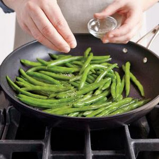 Quick and Easy Green Beans.