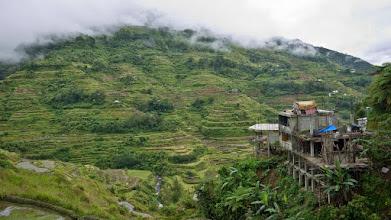 Photo: Maison en construction dans les environs de Banaue