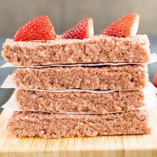 Strawberry Quinoa Breakfast Bars.