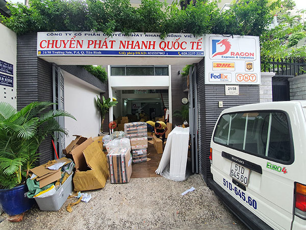 Chi nhánh Dragon Express tại HCM đặt tại Tân Bình