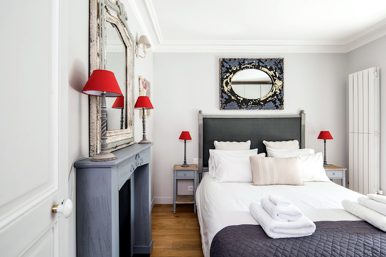 Bedroom at Chambertin Serviced Apartment, Palais-Bourbon