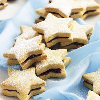 Almond Cookies Stuffed with Cherry Jam.