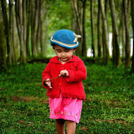 Red in green by Erwin Rizaldi - Babies & Children Children Candids ( red, alone, green, children, walking, kid, cute, trees )