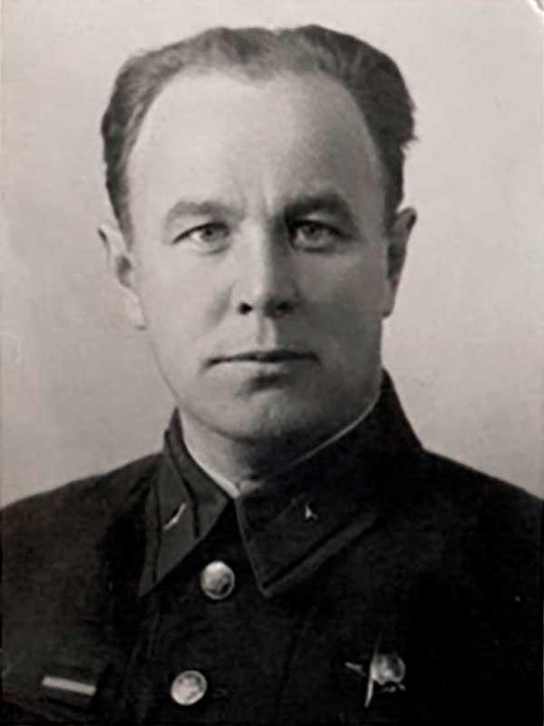 Колесов Яков Сергеевич - член Военного совета 1 ударной Армии