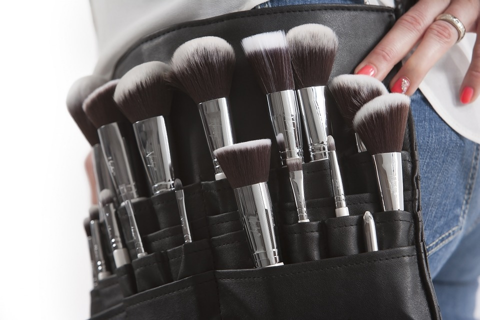 makeup-brushes-824708_960_720.jpg
