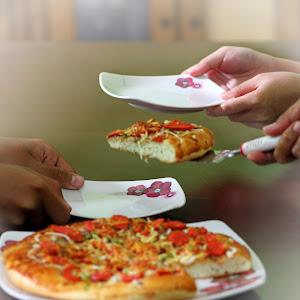 Membagi Pizza.jpg