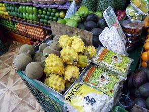 Photo: Fruit display at the Minorista market