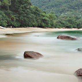 Praia Vermelha do Sul by Felipe Mairowski - Landscapes Waterscapes ( shore, praia, exposição longa, tropical, sea, mar, beach )