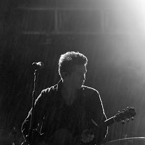 Ben Cantelon  by Luke Aylen - People Musicians & Entertainers ( music, singing, singer, arms, worship, stage )