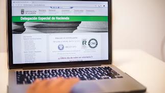 La web para estas gestiones es www.hacienda.dipalme.org.