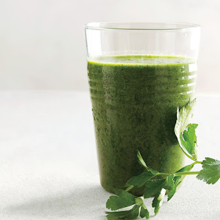 Parsley, Kale, and Berry Smoothie.