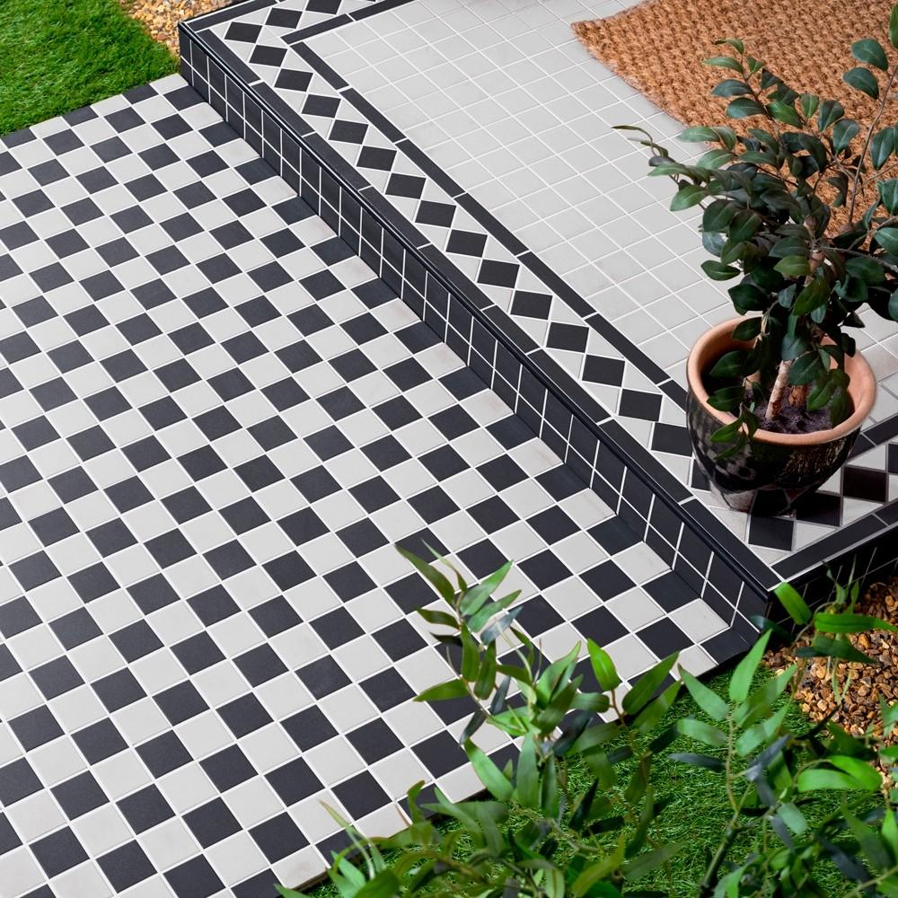 Black and white chequered tiles for outdoors