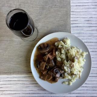 Seitan in Mushroom Wine Sauce