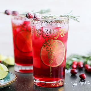 Sparkling Christmas Tree Cocktail.