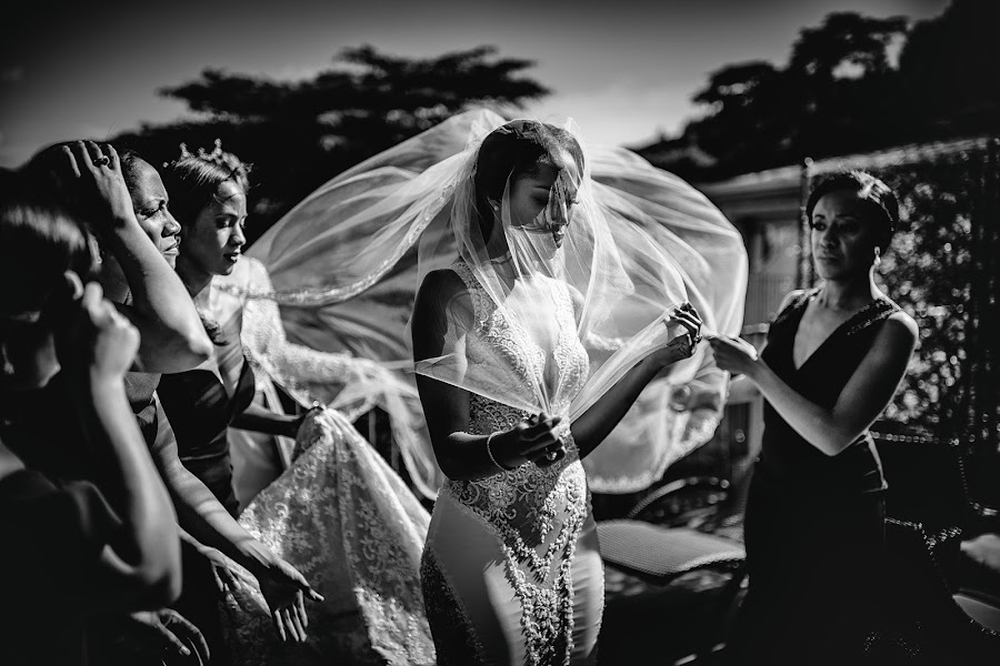 Wedding photographer Cristiano Ostinelli (ostinelli). Photo of 27.04.2019