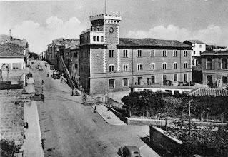 Photo: Via della Repubblica. In primo piano la ceramica Sbordoni abbattuta nel 1980. Foto anni '60.