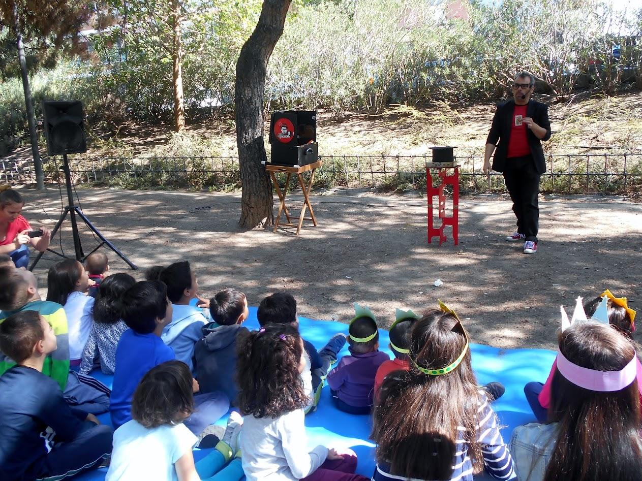 Ilusionismo en distrito de Villaverde 2015 con mago madrid